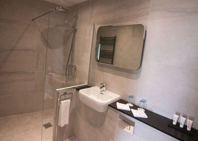 Accomodation-Bathroom-The-Marine-Ballybunion-1